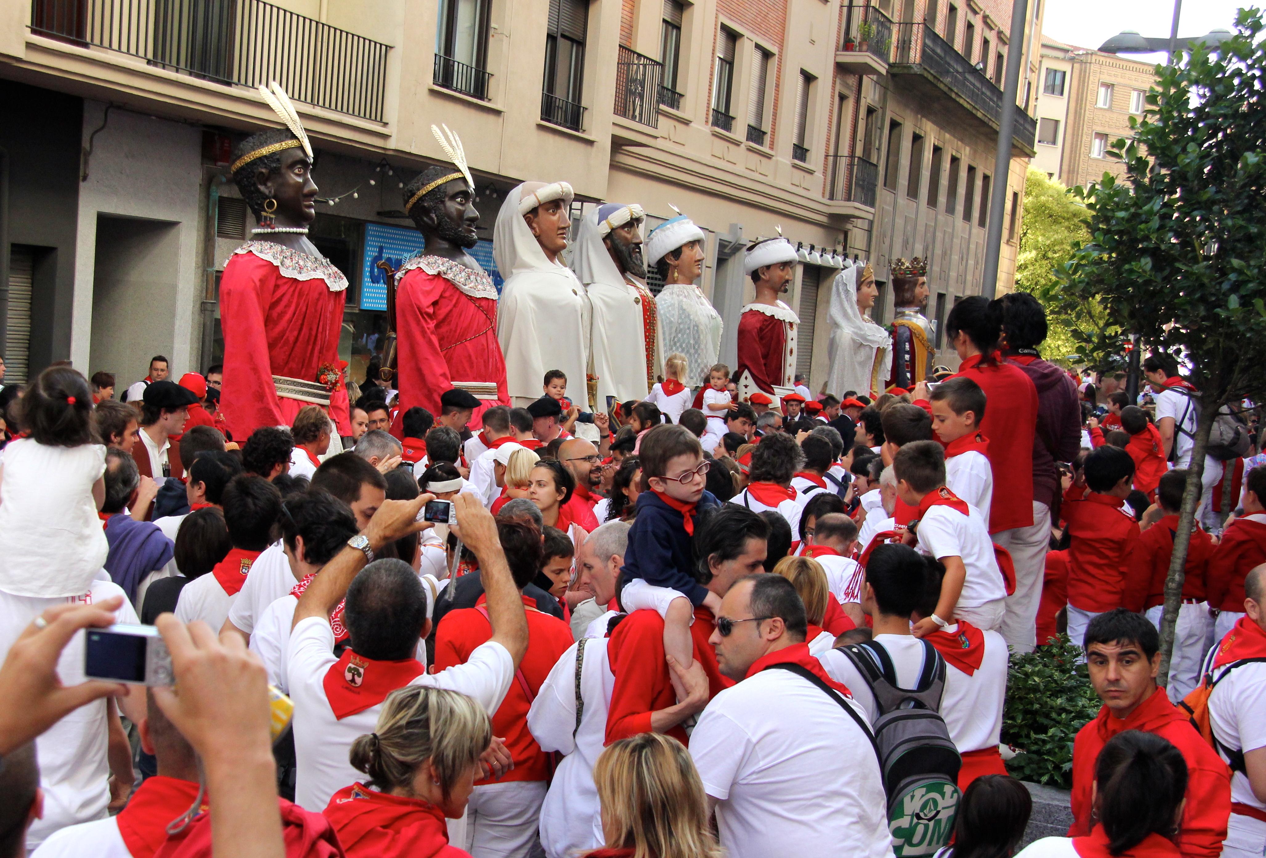 Img Big Heads Spain
